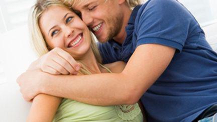 10 lucruri la care se gândeşte un bărbat înainte să te sărute