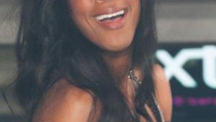 Kelly Rowland, cu sânii la vedere în New Jersey!