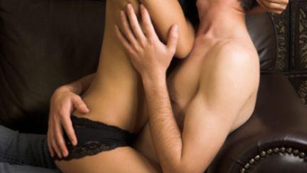 5 poziţii sexuale pentru nopţile călduroase