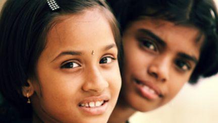 Şocant: tradiţiile din India obligă fetiţele să se prostitueze