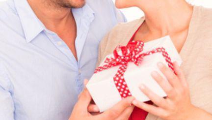 Cadouri şi surprize care ţin pasiunea aprinsă
