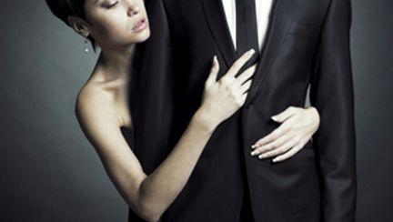 De ce anume se simt atraşi bărbaţii, orice ar face femeile