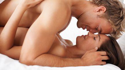 Cine se implică mai mult în timpul sexului? Femeia sau bărbatul?