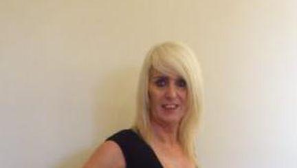 Melissa, transsexualul care îşi vinde virginitatea pe internet
