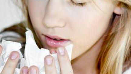 Tusea productivă şi seacă – vezi care sunt cauzele!