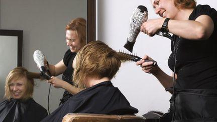 Fă echipă cu hair-stilistul!
