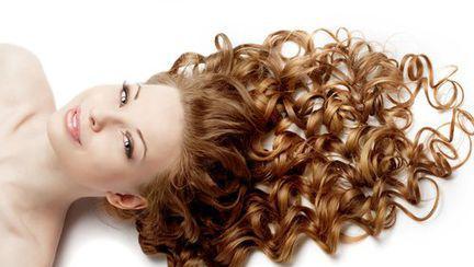 Cum îngrijeşti părul ondulat