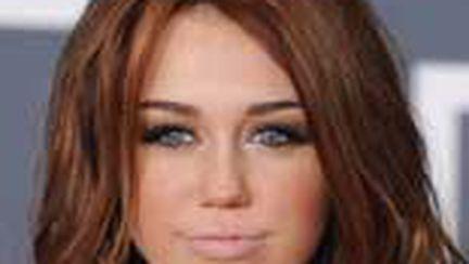 Look alert: buze nude la Grammy