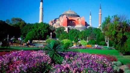 Istanbul locul unde îşi dau întâlnire Europa şi Asia