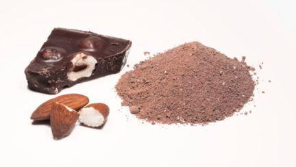 Reţete raw: Ciocolată de casă gătită fără foc