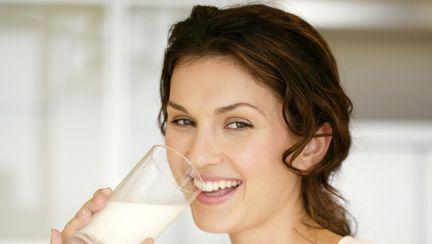 Sănătate: Care este, de fapt, adevărul despre lapte