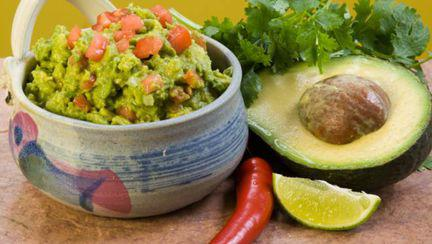 Dietă: 3 reţete cu avocado care te ajută să dai jos burta