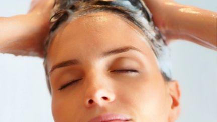 Părul tău: Cele 3 atuuri ale şampoanelor bio