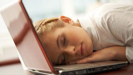 Cine îţi răpeşte energia. 5 motive pentru care te simţi obosită