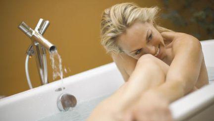 Igiena intimă pe timpul verii. Vezi cum îţi protejezi sănătatea!