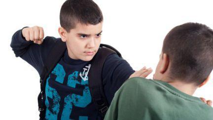 Psihologie: De ce este copilul violent?