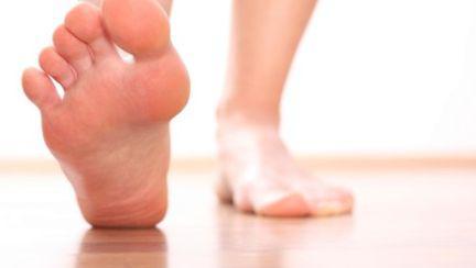 Sănătatea picioarelor: Ce sunt monturile şi cum scapi de ele?