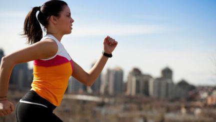 Crampe, ameţeală, greaţă… Vezi de ce te simţi rău după ce faci sport!