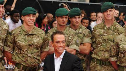 Fiul lui Jean Claude Van Damme a fost arestat pentru posesie de arme și droguri