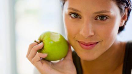 Dietă cu mere: PIERZI 2,5 kg în 7 zile