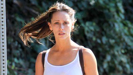 Jennifer Love Hewitt e frumoasă şi nemachiată. Îţi place cum arată?
