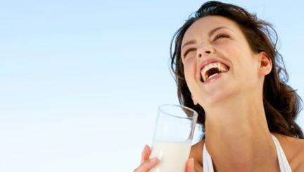 Dietă: 10 chestii surprinzătoare despre lapte