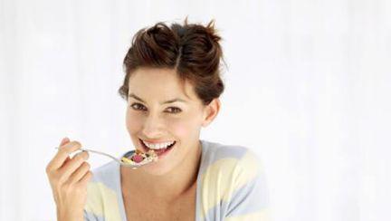 S-a descoperit substanţa care te face să te saturi cu mâncare puţină