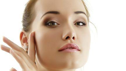 Frumuseţe: Cum îţi îngrijeşti tenul pe caniculă?