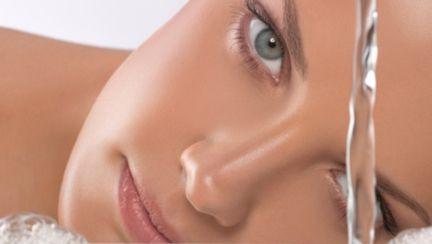 Frumuseţe: Cum combaţi cele 7 semne ale îmbătrânirii tenului?