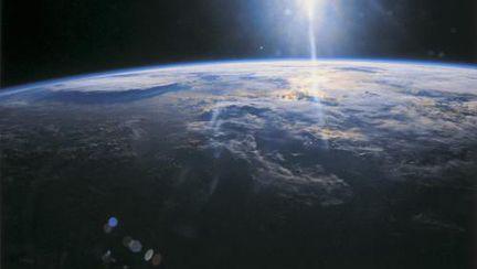 Incredibil: Pământul cântă la răsărit şi se poate auzi din spaţiu