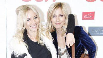 Dana Rogoz şi Laura Cosoi nemachiate! Îţi place cum arată?