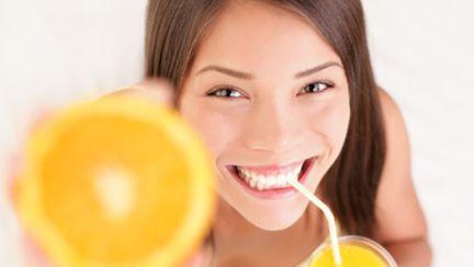 Dieta cu sucuri din fructe şi legume te ajută să slăbeşti 10 kilograme