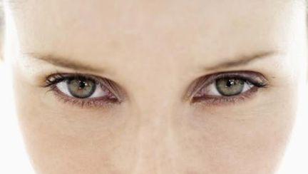 6 remedii pentru ochi umflaţi