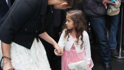 """Micuţa """"fashionistă""""! J-Lo şi-a dus fetiţa la prezentarea de modă Chanel"""