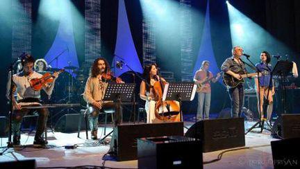 Trupa Taxi a promis un concert, dar a oferit un spectacol