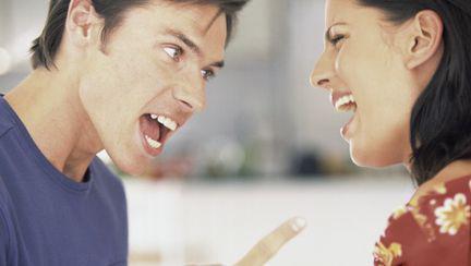 Dragoste şi sex: Ce faci când iubirea s-a transformat în violenţă?