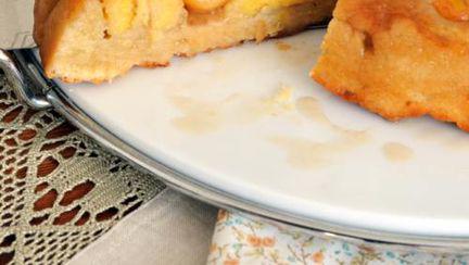 DESERT DE POST: Prăjitură cu banane şi nucă