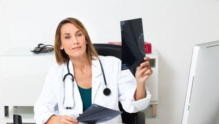 Cum îţi gestionezi bugetul ca să ai bani să mergi la medic?