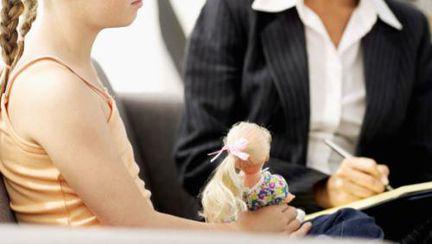 Centrele de consiliere gratuită pentru persoanele cu autism și-au început activitatea