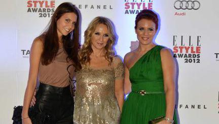 Ce frumoase sunt! Camelia Şucu, împreună cu fetele ei pe covorul roşu