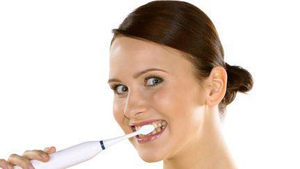 Stomatologie: Cum poţi face extracţie, implantare şi restaurare temporară într-o zi?