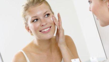 Cum influenţează anotimpul rece evoluţia acneei