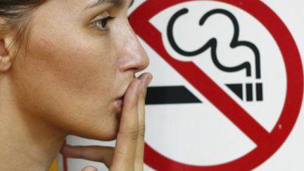 Româncele renunță la fumat mai mult decât oricât. METODA cea mai sigură care te ajută să reușești