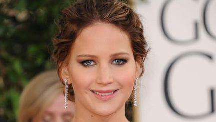 VIDEO Globurile de aur 2013: Jennifer Lawrence, interviu pe covorul roşu