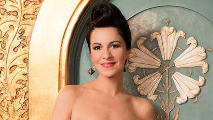Angela Gheorghiu, superbă în rochii Cătălin Botezatu. Vezi pozele!