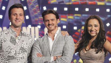 """Mihai Petre, gata să se fie sărutat de o concurentă la """"Românii au talent"""""""