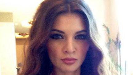 Cadouri scumpe, haine de firmă, călătorii exotice şi avion privat! Vezi de ce LUX se bucură Ramona Gabor în Dubai! FOTO