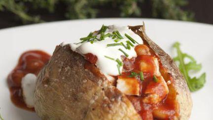 Slăbeşte în Post: Cartofi umpluţi cu ciuperci şi ceapă verde