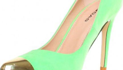 Modă 2013: Pantofii cu vârf ascuţit metalic sunt superbi! Uite de unde să îţi cumperi!