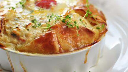 REŢETE: Quiche cu pui şi brânză